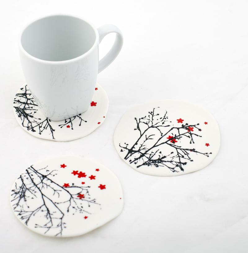 sous-tasses en porcelaine imprimée