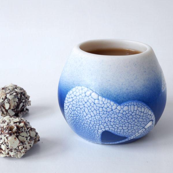 tasse en porcelaine bleue PEARL