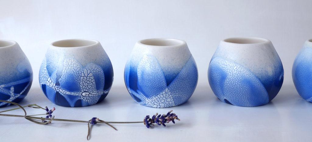 tasses en porcelaine bleue PEARL